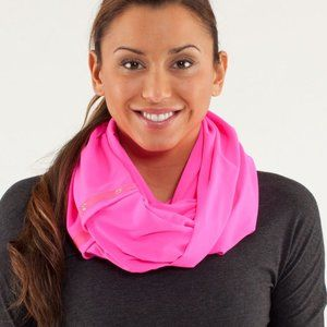 Lululemon Vinyasa Scarf Luon Light Raspberry Glo